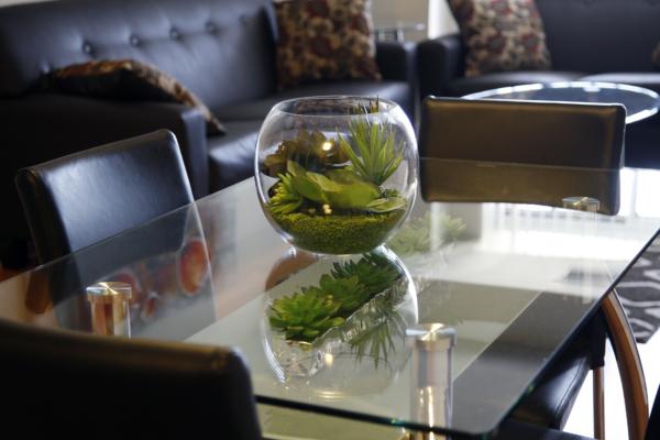 Dining area Platinum Suites - Furnished Apartments Mississauga