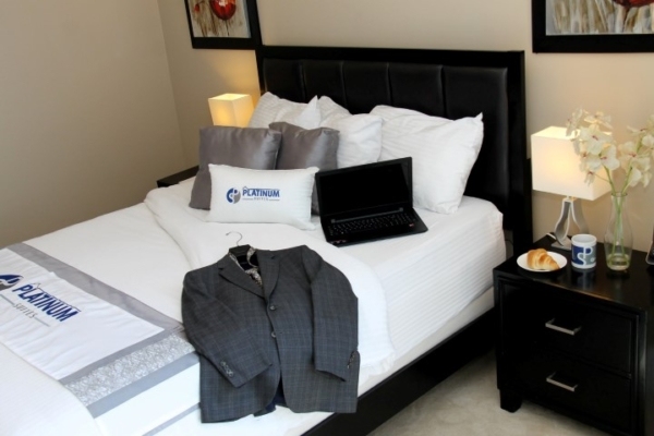 Bedroom - Platinum Suites - Furnished Apartments Mississauga